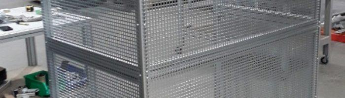 Mesh enclosure - aluminium frame and galvanised mesh panels